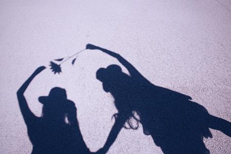 girls-shadow